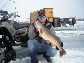 DAN WALLEYE